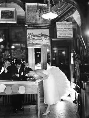 low-res Suzy Parker with Robin Tattersall and Gardner McKay, evening dress by Lanvin-Castillo, Cafe¦ü des Beaux-Arts, Paris, August 1956 fc