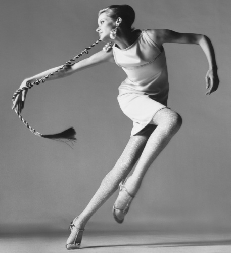 Veruschka, dress by Kimberly, New York, January 1967 low res